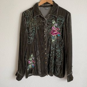 J. Jill Tops - J. Jill floral embroidered snap button down top